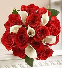 fotos de ramos de rosas rojas con blancas