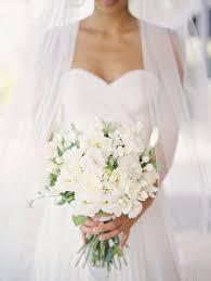 ramos de flores blancas de moda