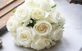 ramos de flores blancas sencillos